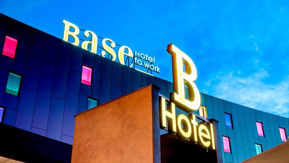 Base Hotel  - Edit_Drink2.jpg