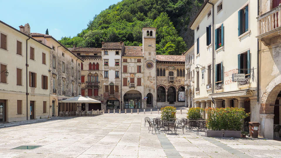 Base Hotel  - Edit_Treviso.jpg