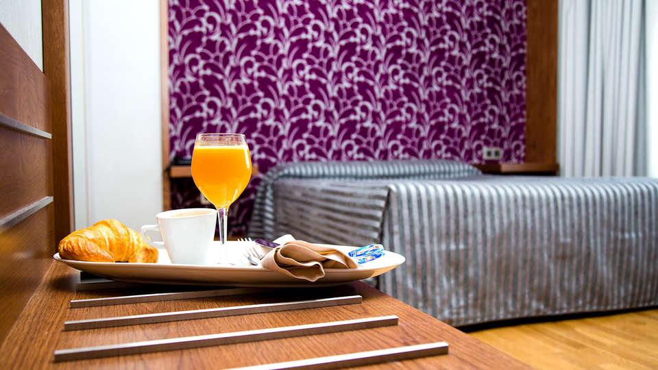 Hotel los Braseros - Edit_Breakfast2.jpg