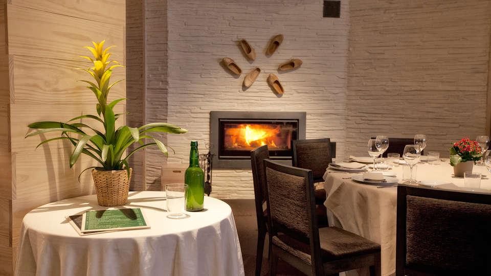 Hotel Los Lagos Nature - EDIT_restaurant4.jpg