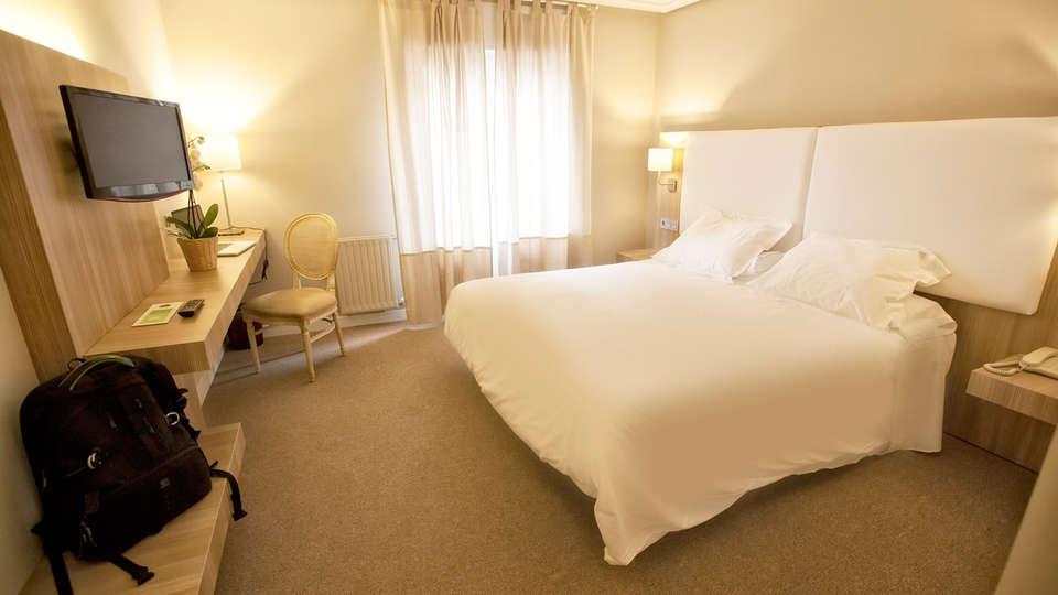 Hotel Los Lagos Nature - EDIT_room3.jpg
