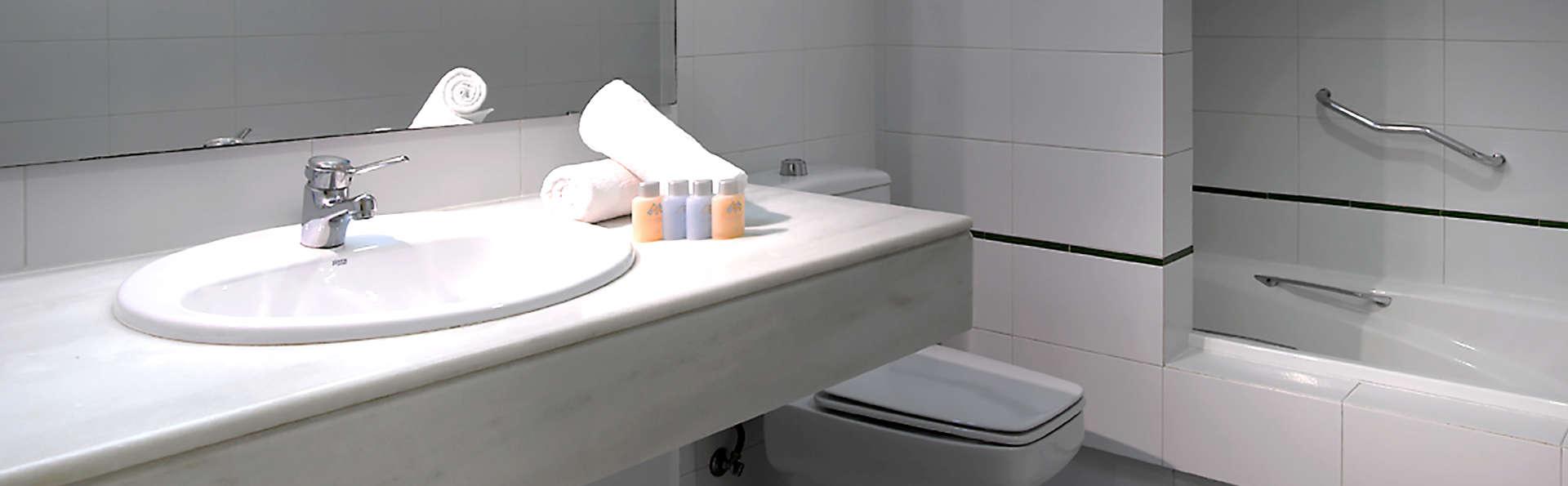 Hotel Macià Doñana  - Edit_Bathroom.jpg