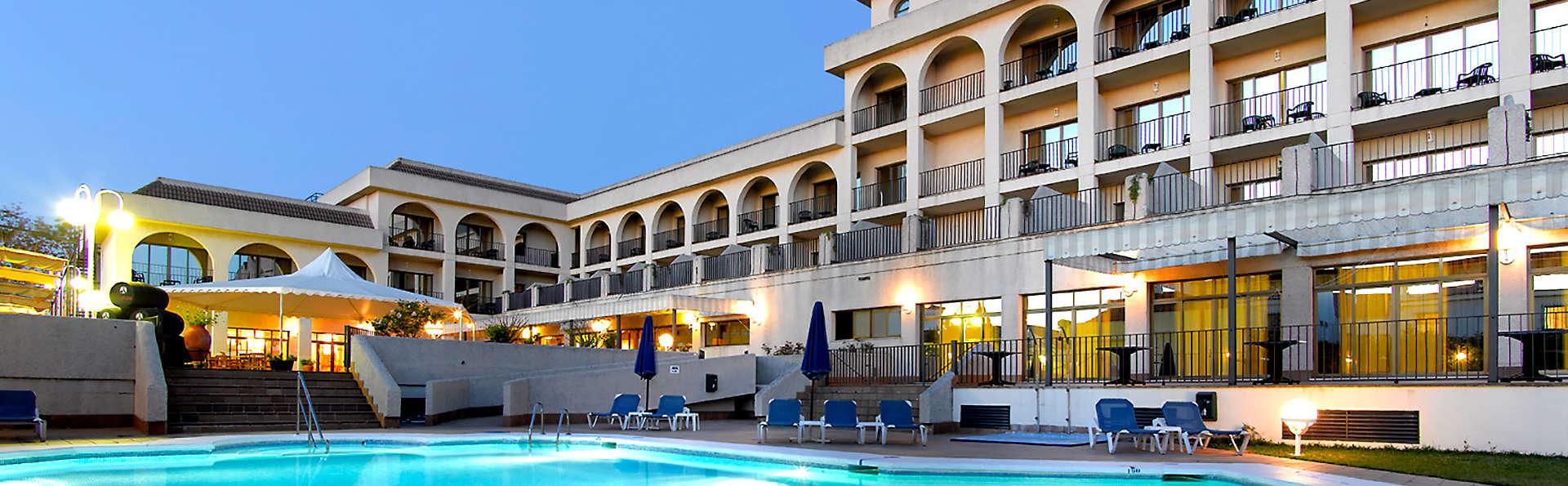 Hotel Macià Doñana  - Edit_Pool.jpg