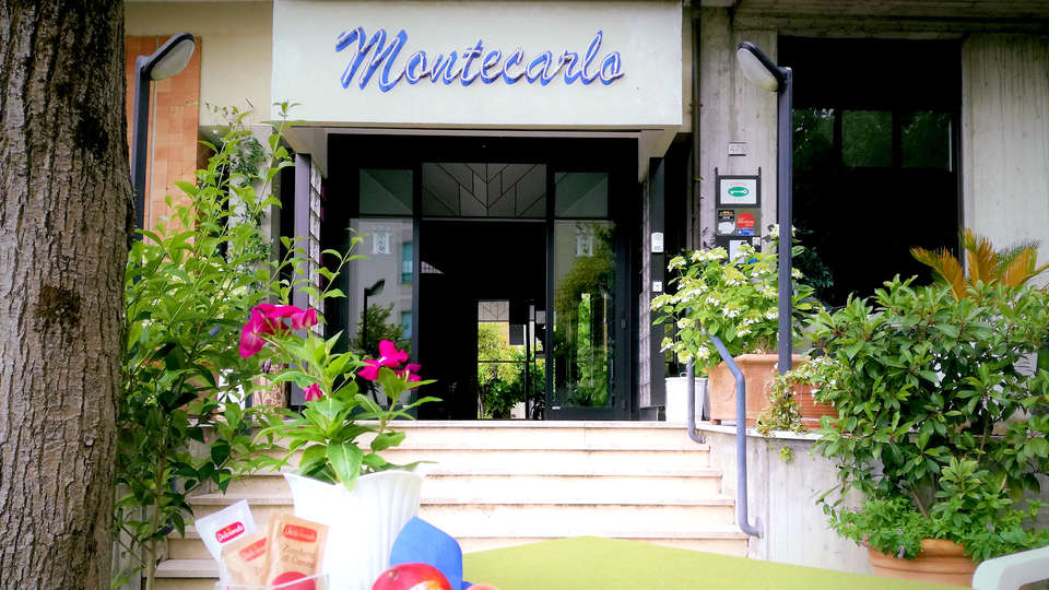 Hotel Montecarlo - EDIT_NEW_FRONT.jpg