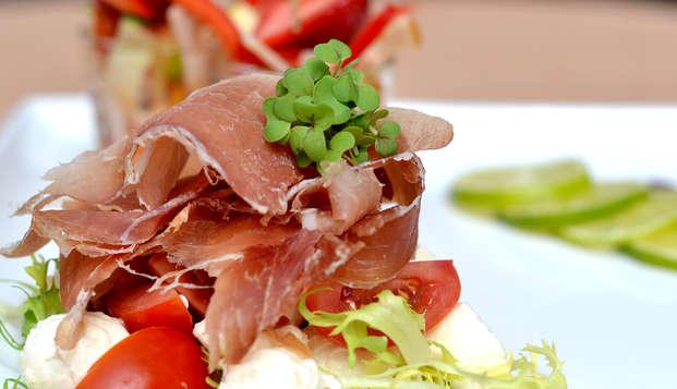 Dînez dans un bon restaurant de la ville pittoresque de Brielle