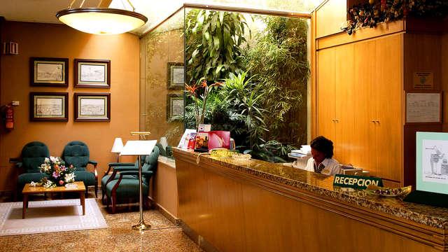Hotel Mainake