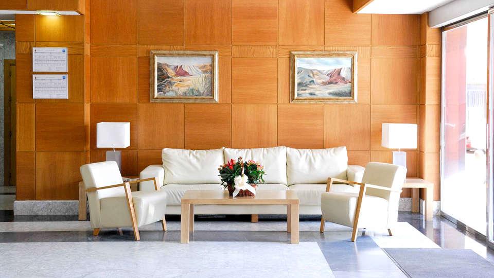 Hotel Manolo - Edit_Hall.jpg