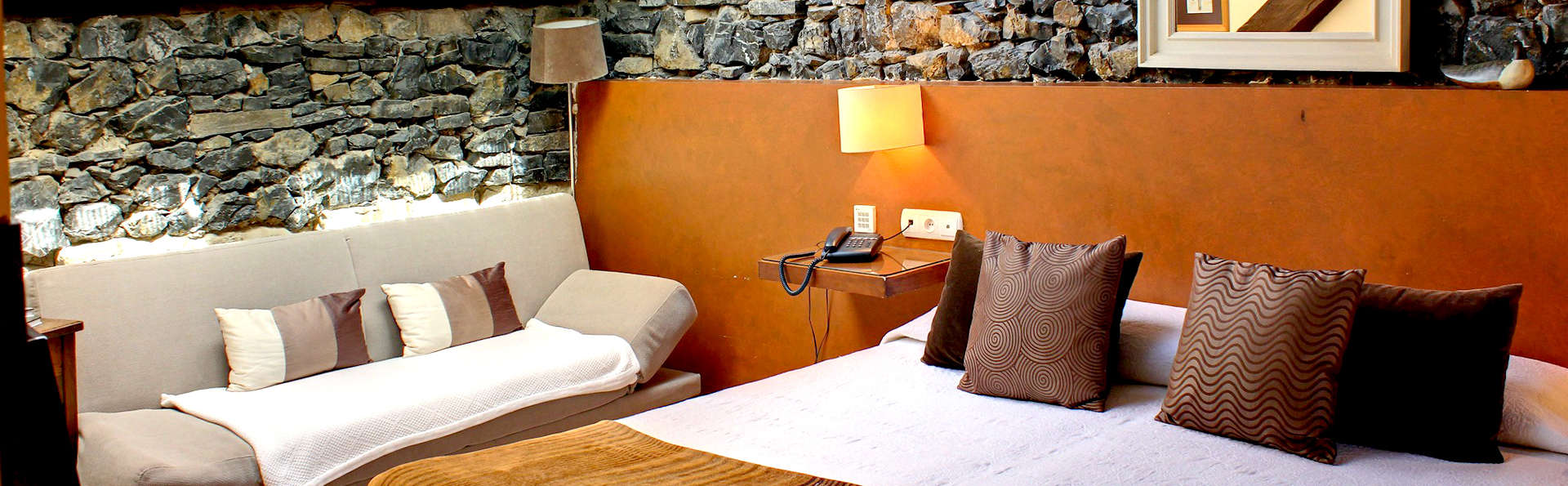 Hotel Mar del Sueve - Edit_Room4.jpg