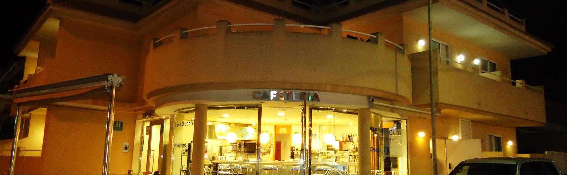 Hotel Mar Menor - EDIT_front.jpg