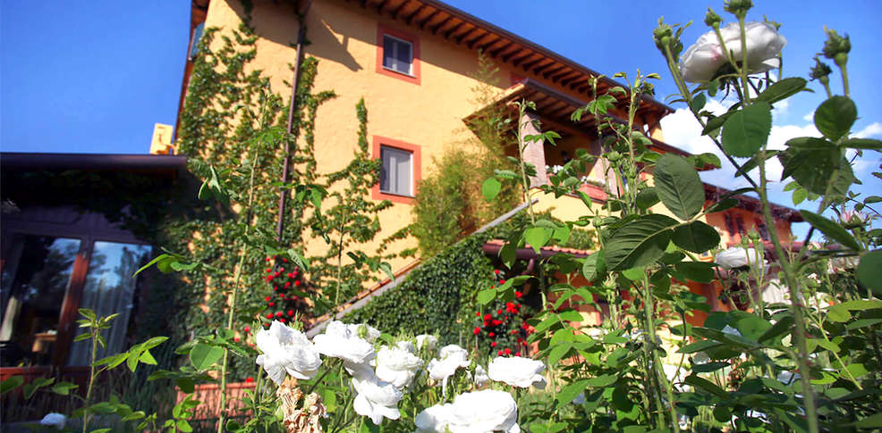 Garden resort spa san crispino tordandrea italia - Garden center sevilla ...