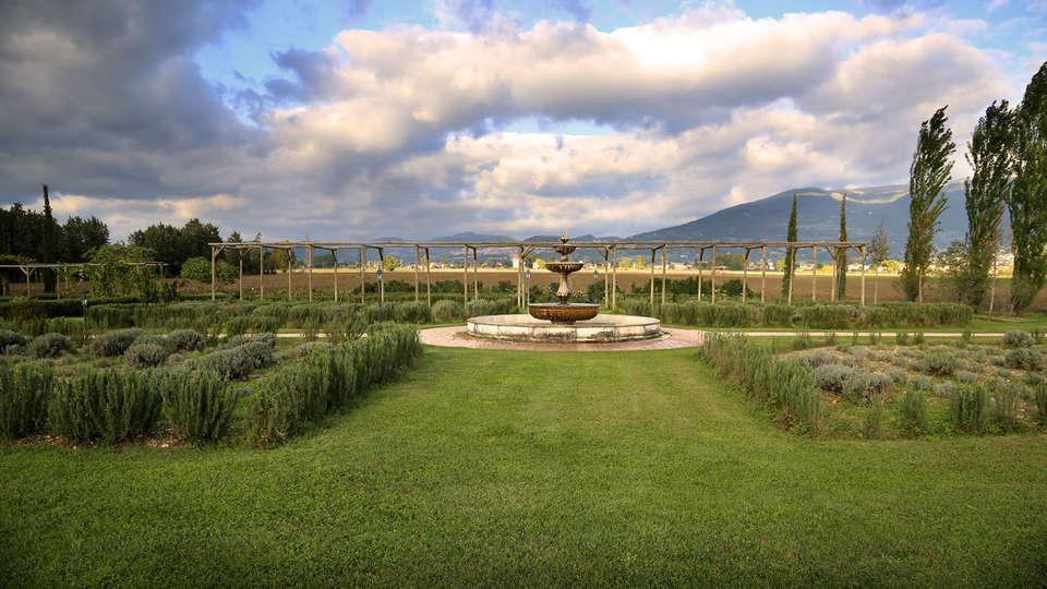 Garden Resort & Spa San Crispino - Edit_garden.jpg
