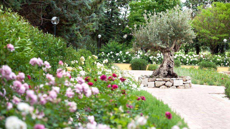 Garden Resort & Spa San Crispino - Edit_Garden2.jpg