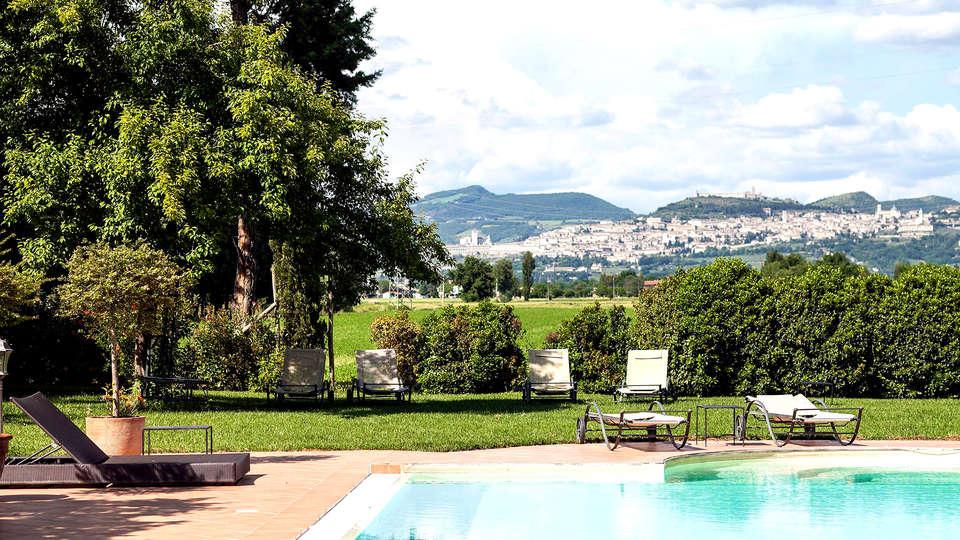 Garden Resort & Spa San Crispino - Edit_Pool.jpg