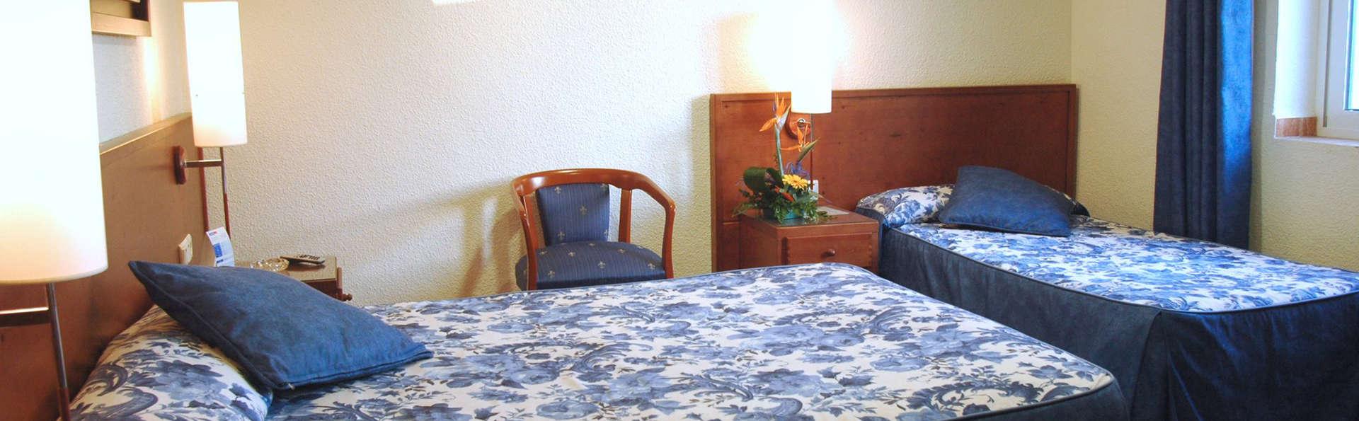 Hotel Masa International - EDIT_room3.jpg