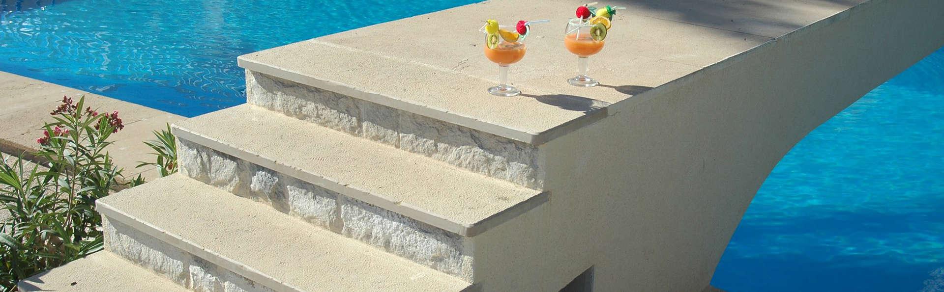 Hotel Masa International - EDIT_pool.jpg