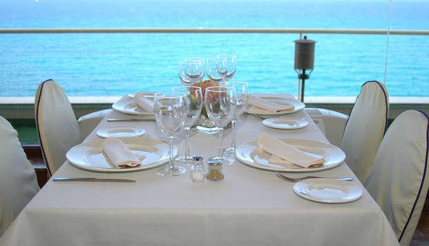 Escapade avec dîner et vue panoramique sur la mer à Torrevieja, Alicante.