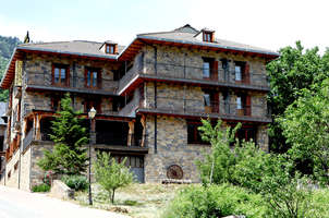 Hotel pirineos 2 castej n de sos espa a - Hotel casa chuldian ...