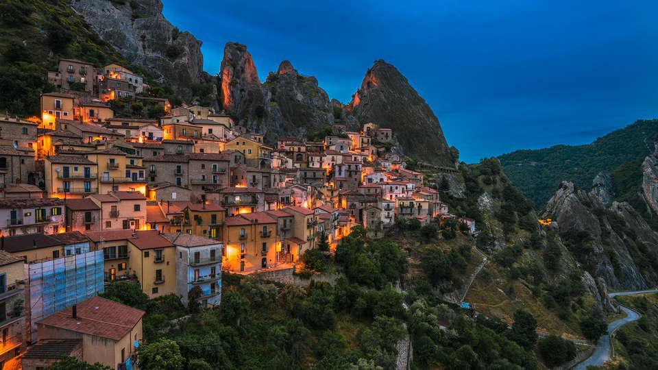 Grotta Dell'Eremita - edit_castelmazzano1.jpg