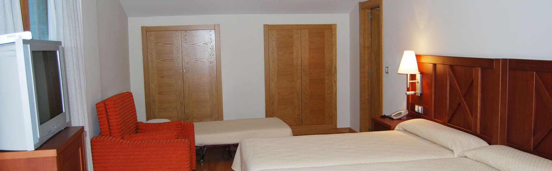 Hotel Meleiros - EDIT_room5.jpg