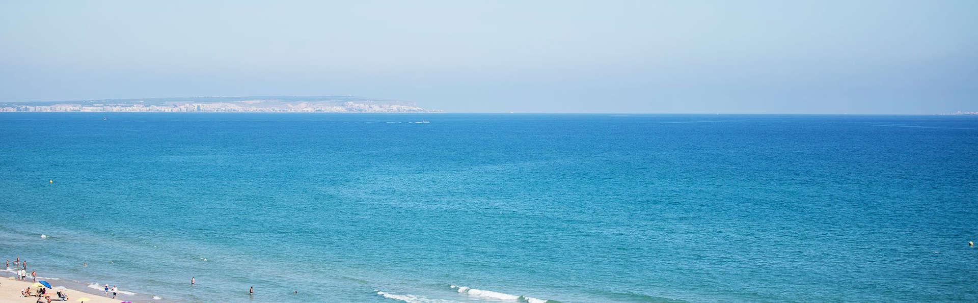 Hotel Meridional - EDIT_beach.jpg