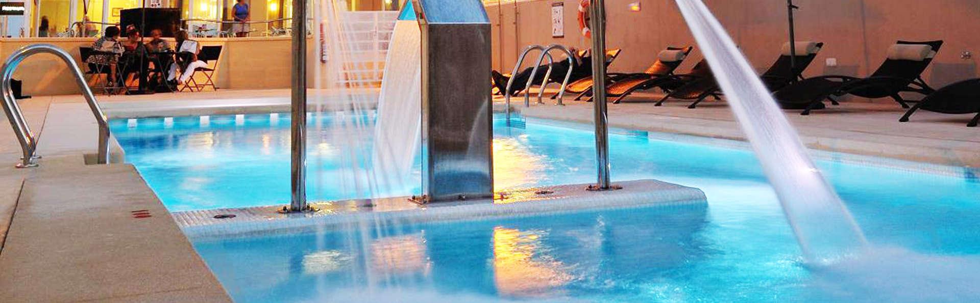 Hotel Meridional - EDIT_pool.jpg