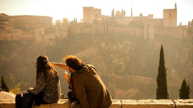 Escápate a Granada con visita a los lugares más emblemáticos y espectáculo de flamenco