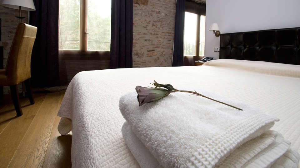 Hotel Molí de la Torre - EDIT_room2.jpg