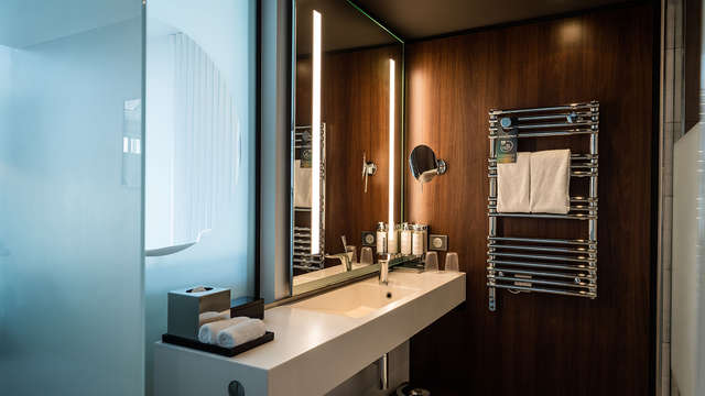 Molitor Paris by MGallery Collection - new bathroom