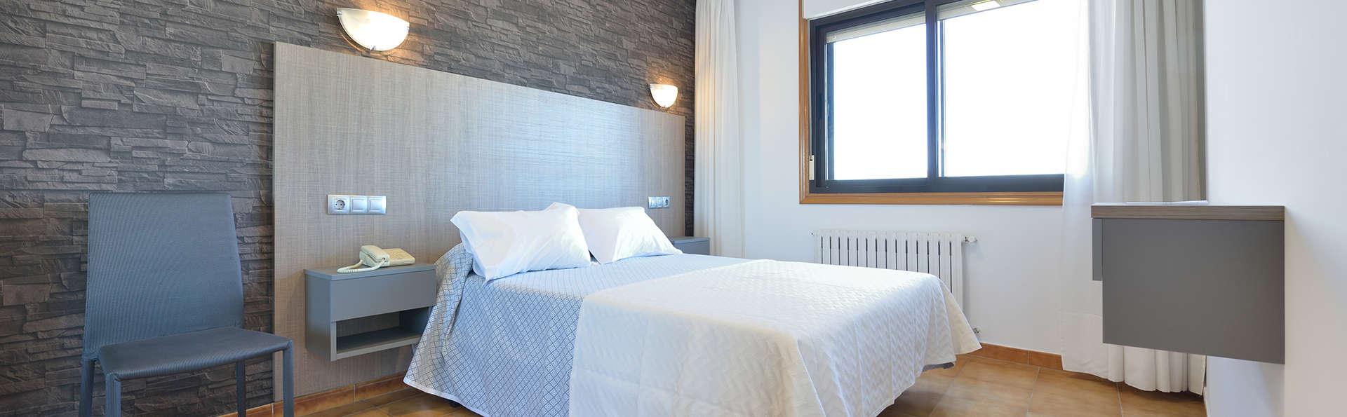 Hotel Montemar - EDIT_room4.jpg