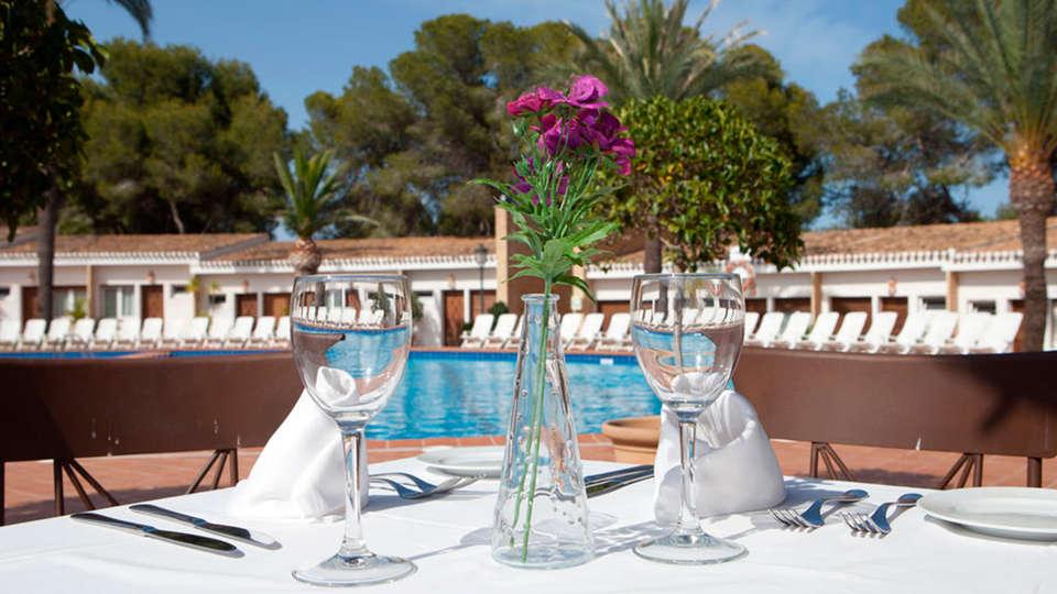 Hotel Montepiedra - EDIT_restauranterrace.jpg