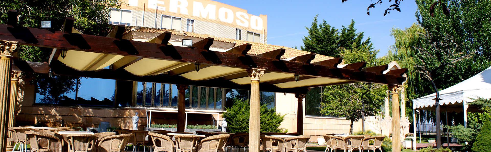 Hotel Montermoso - Edit_Terrace.jpg