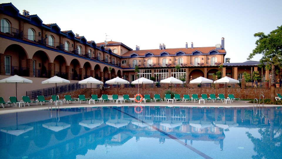 Hotel MS Fuente las Piedras - Edit_Front2.jpg