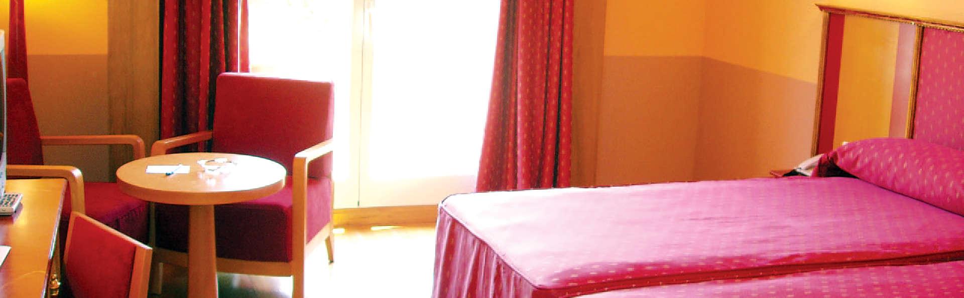 Hotel MS Fuente las Piedras - Edit_Room5.jpg