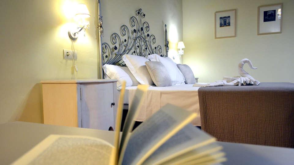 Hotel Museo Palacio de Mariana Pineda - Edit_Room5.jpg