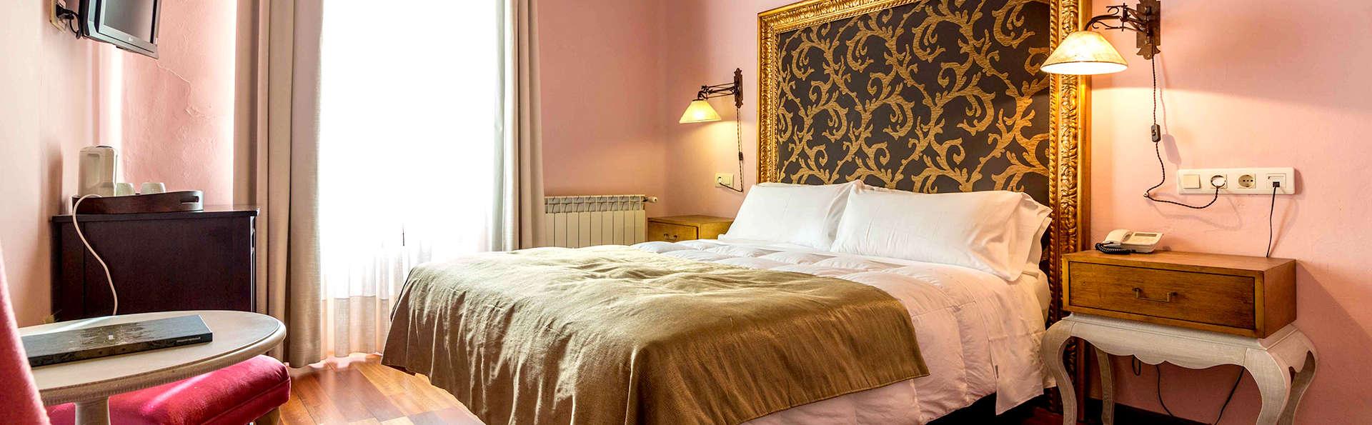Hotel Museo Palacio de Mariana Pineda - Edit_Room12.jpg