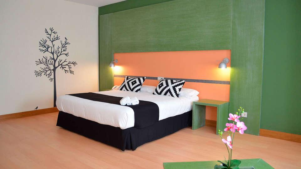 Hotel Naval Sestao - EDIT_room5.jpg