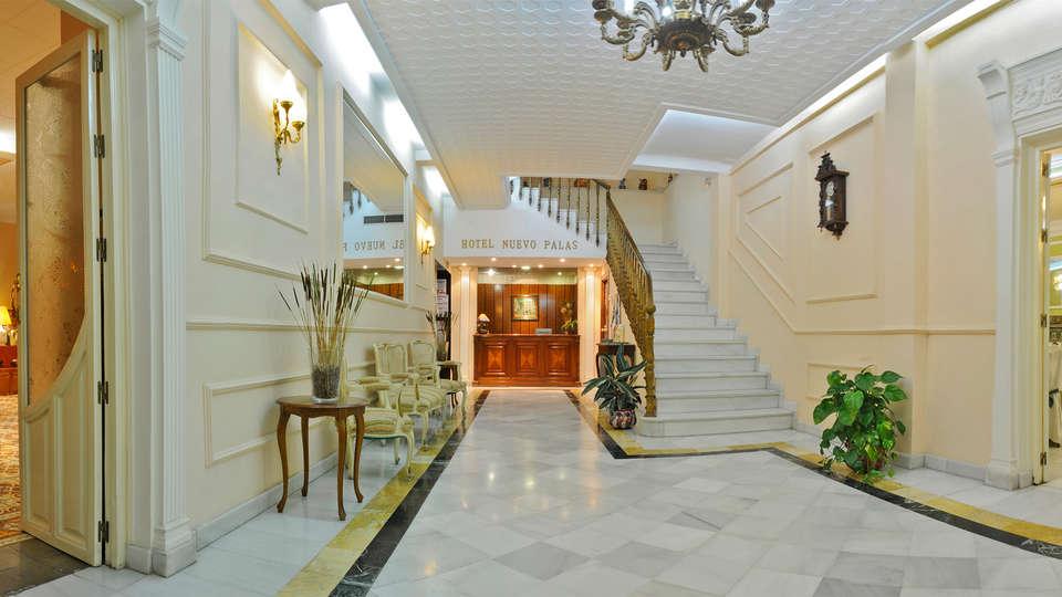 Hotel Nuevo Palas - EDIT_hall.jpg