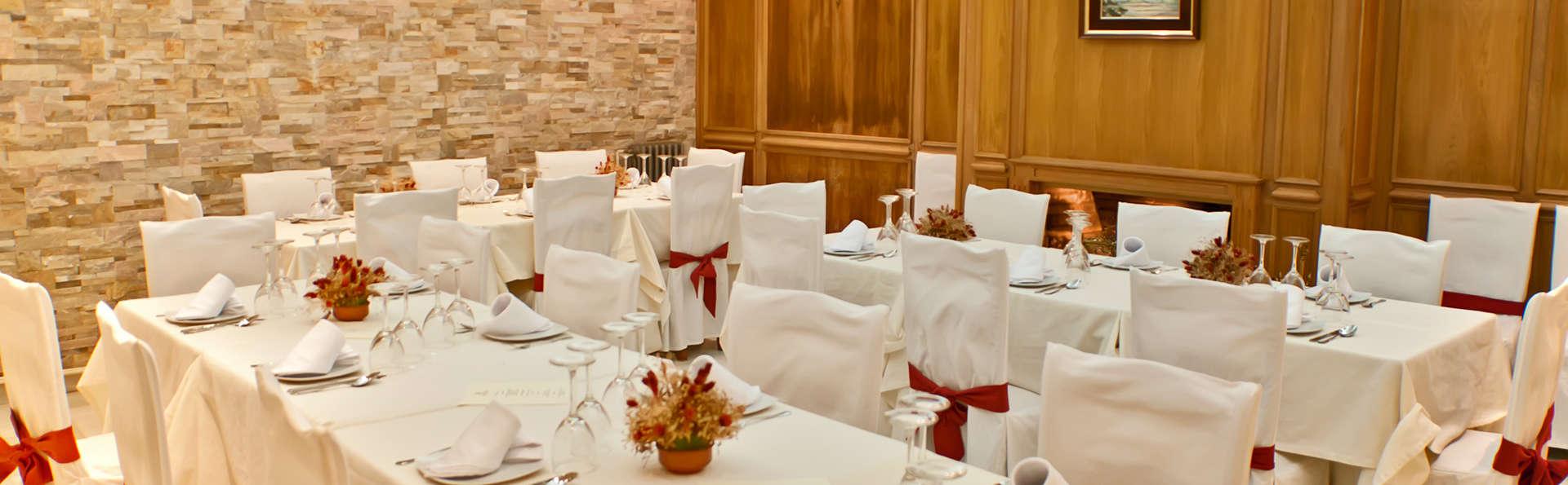 Hotel Nuevo Palas - EDIT_restaurant.jpg
