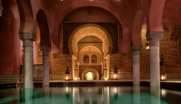 Alójate en un palacio mudejar en pleno centro de Granada con entradas al Hammam alandalus