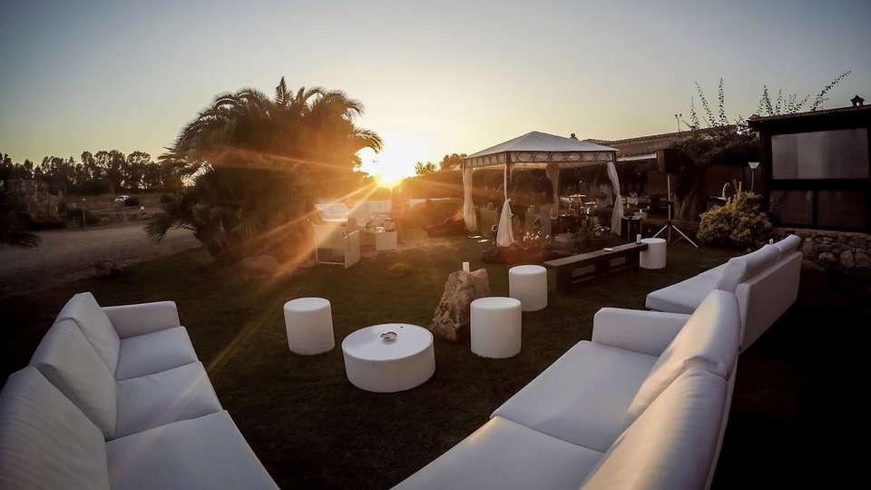 Hotel Ristorante Sa Pedrera - edit_garden4.jpg