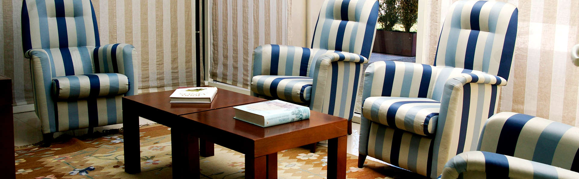 Hotel Villa de Betanzos - Edit_Lounge.jpg