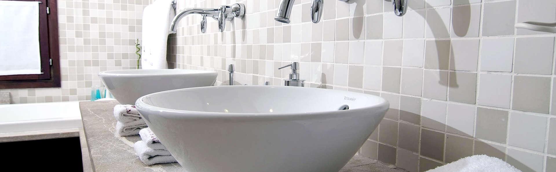 Hotel Palacio Ca Sa Galesa - Edit_Bathroom2.jpg