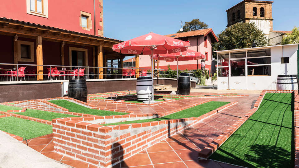 Hotel Palacio Muñatones - EDIT_exterior1.jpg