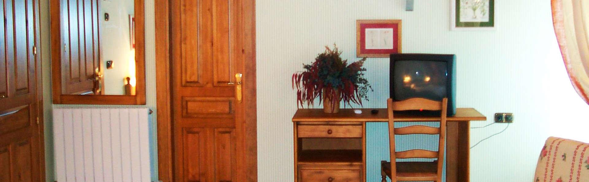 Hotel Palazio - EDIT_room5.jpg