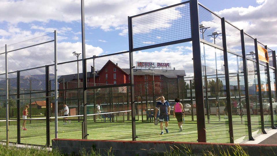 Hotel Park Puigcerdá - EDIT_teniscourt.jpg