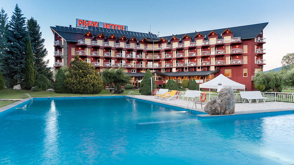 Park Hotel & Spa Puigcerdá - EDIT_pool.jpg