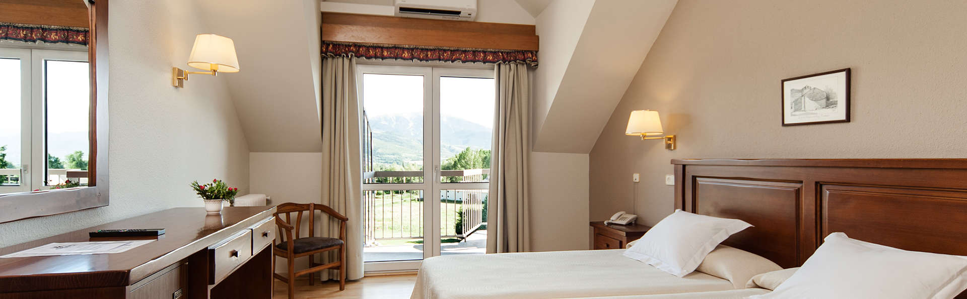 Park Hotel & Spa Puigcerdá - EDIT_room3.jpg
