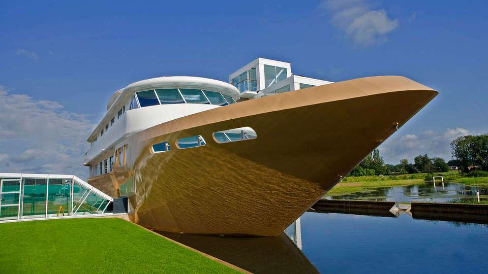 Teugel Resort Veghel - edit_wellnessboot_buiten.jpg