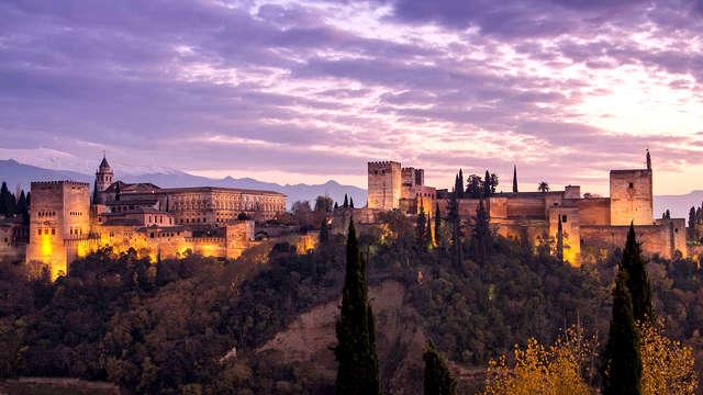 Escapada en el corazón de Granada, en la puerta de entrada al Albaicín