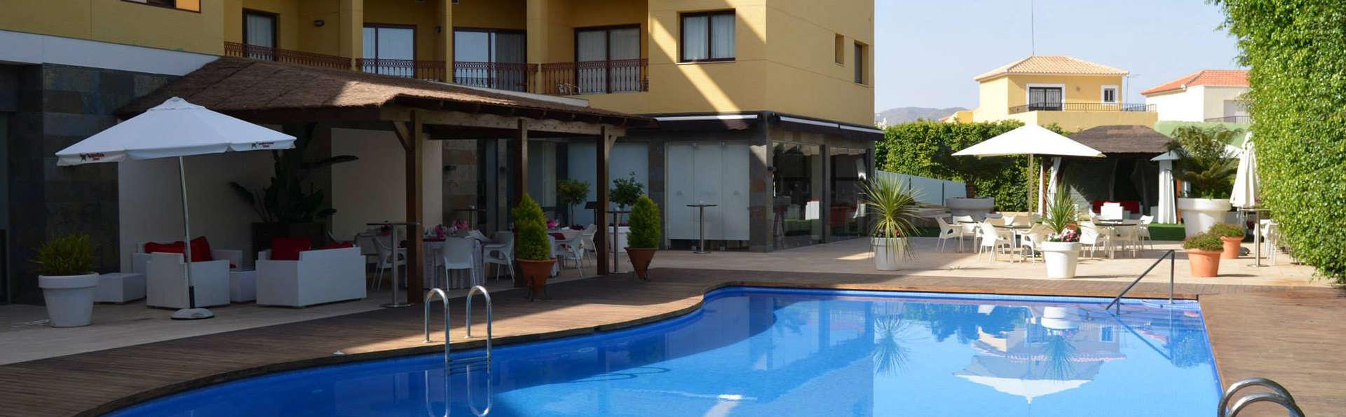 Hotel Playasol - EDIT_pool1.jpg